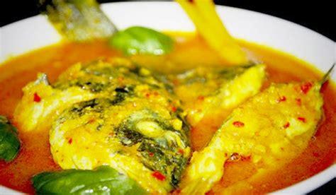 Minyak Ikan Butiran ikan acar kuning