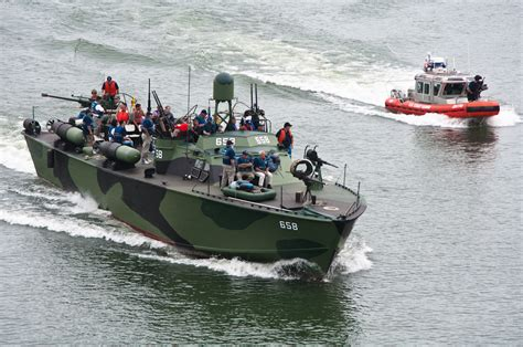 pt boat converted to yacht march 2013 laststandonzombieisland page 2