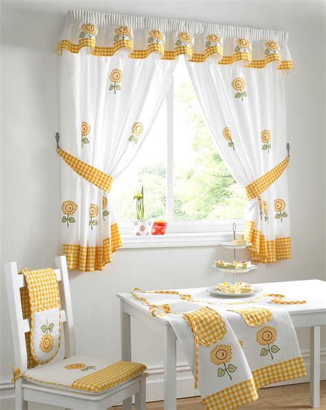 Small Kitchen Curtains Decor Kitchen Window Curtains Modern Kitchen Decorating Ideas Window Treatment Ideas Small White