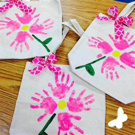S Day And Craft S Day Crafts Handprint
