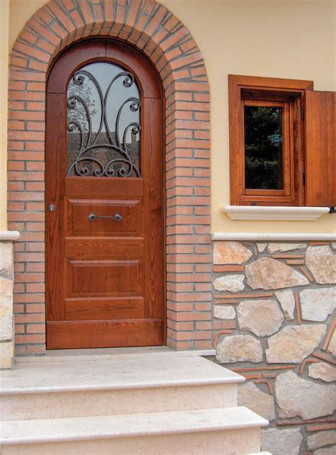 portoni d ingresso in ferro top portoni in legno e ferro battuto co12 pineglen
