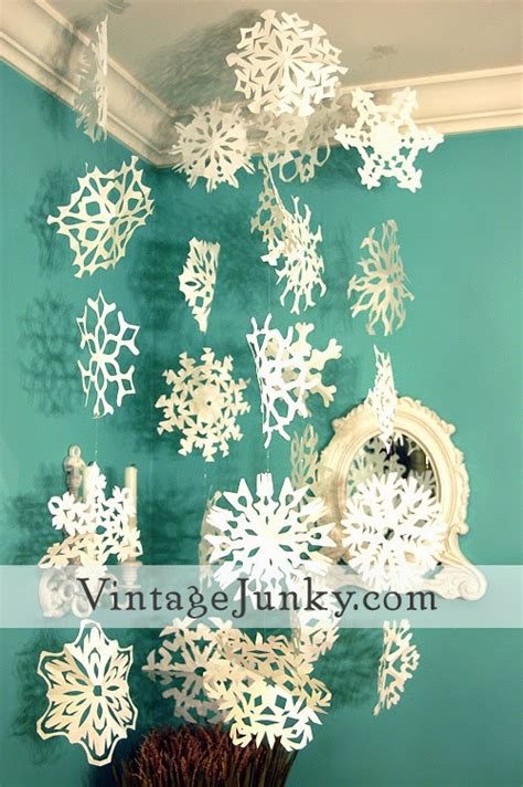 Snowflakes Paper Craft - snowflake crafts for and free printable cut outs