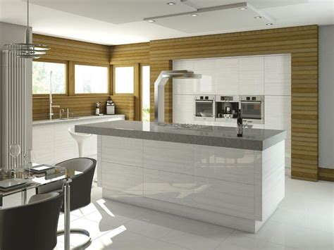 venice style kitchen in high gloss snow larch