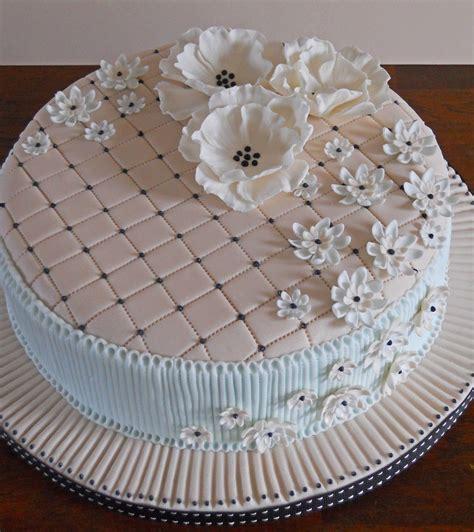 design flower cake tier