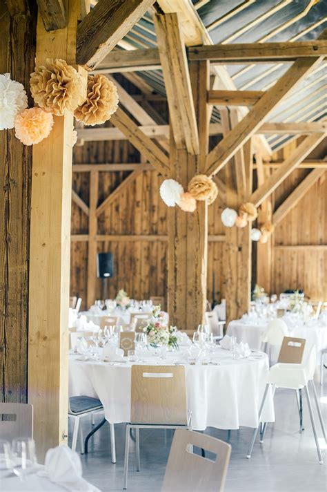 1920s vintage barn wedding glamorous elegant a beautiful 1920s inspired wedding with a barn reception