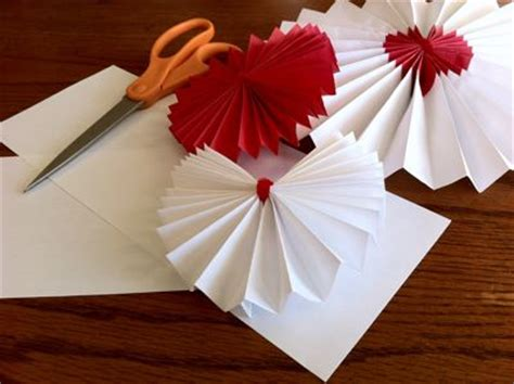 How To Make A Paper Rosette - make paper rosettes images