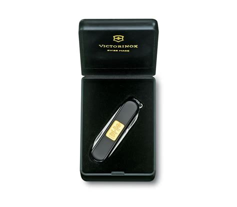 Swiss Army Sa0202 Black Gold victorinox classic with gold ingot 1 gr in black 0 6203 87