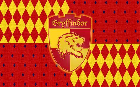 gryffindor house gryffindor gryffindor wallpaper 7748568 fanpop