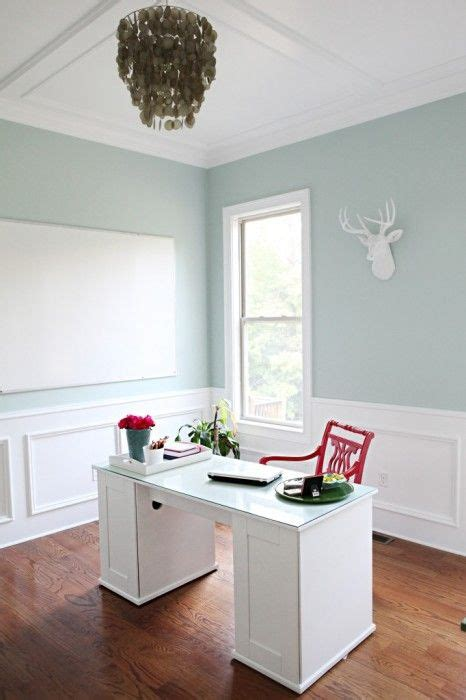 Woodlawn Blue Kitchen by 25 Best Ideas About Woodlawn Blue On Coastal Cottage Moments And Coastal Colors