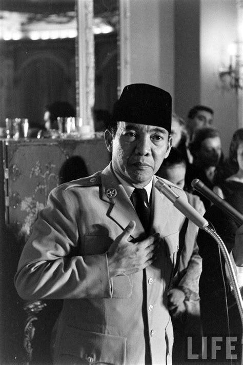 Pjob Bung Karno pidato bk disaat senja pena soekarno