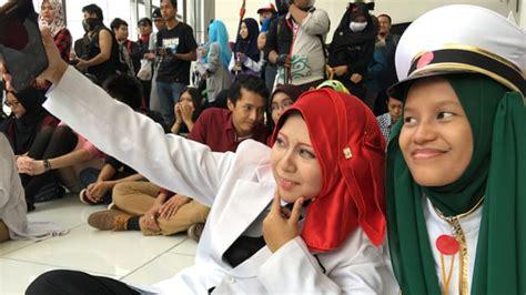 film malaysia cinta halal superheroes and hijabs malaysia s muslim cosplayers