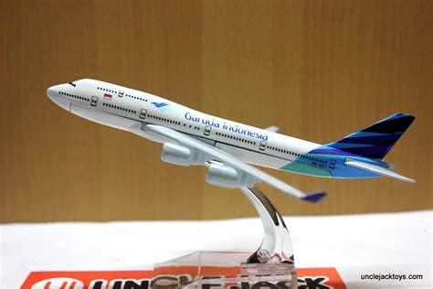 Miniatur Pesawat Capung Bahan Kayu jual miniatur pesawat garuda indonesia jumbo jet toys