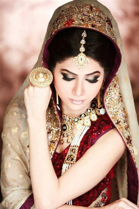 Latest Bridal  Ee  Make Up Ee   With Jewelry Fashion Point