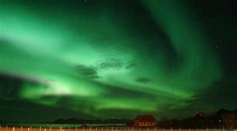 Center Of Light Polarlightcenter Laukvik In Lofoten Maximize Your Chance