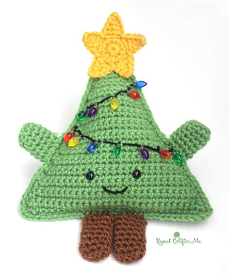 pattern for a christmas tree cuddly crochet christmas tree repeat crafter me