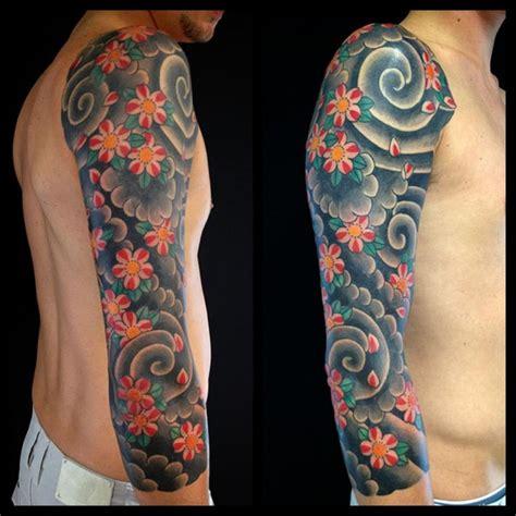 tatuaggio fiori di loto uomo oltre 1000 idee su tatuaggi a braccio intero uomo su