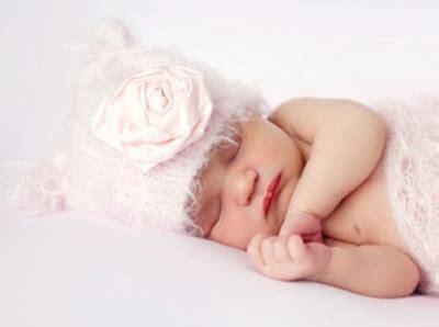 Kaos Kaki Bayi New Born Baru Lahir check list daftar kebutuhan bayi baru lahir new born