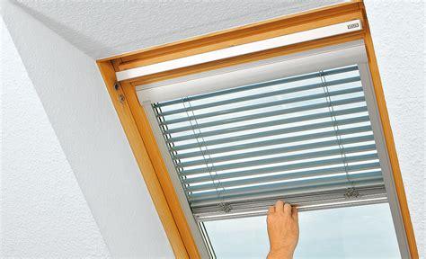 Dachfenster Jalousie dachfenster jalousie treppen fenster balkone selbst de
