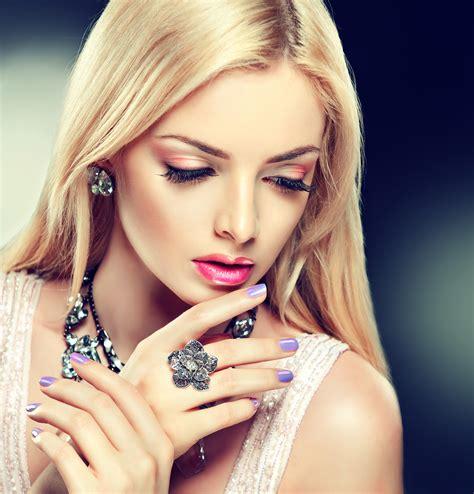 beautiful model beautiful fashion model in jewelery and lilaс manicure