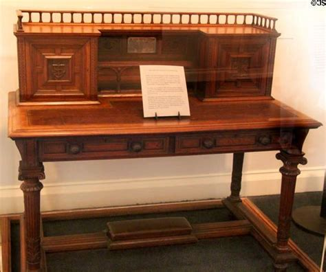 Resolute Victory 17 best ideas about resolute desk on oval