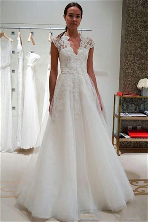 cap sleeve wedding dress  neck lace appliques