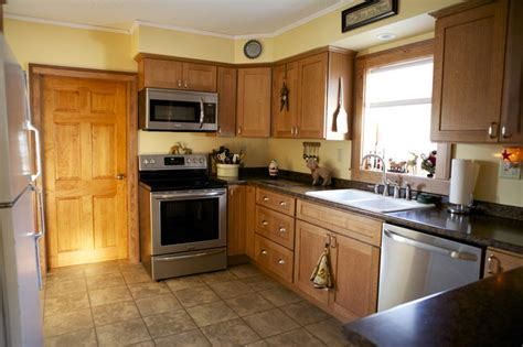 yellow kitchen walls with oak cabinets oak kitchen cabinets shaker door style cliqstudios