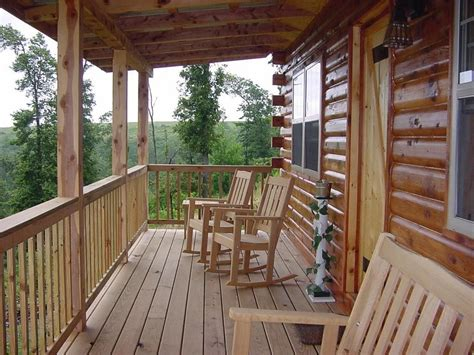 cabin porch cabin with a front porch lake cabin pinterest
