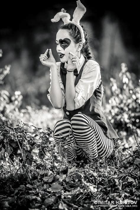 alice  wonderland black  white ka photo blog