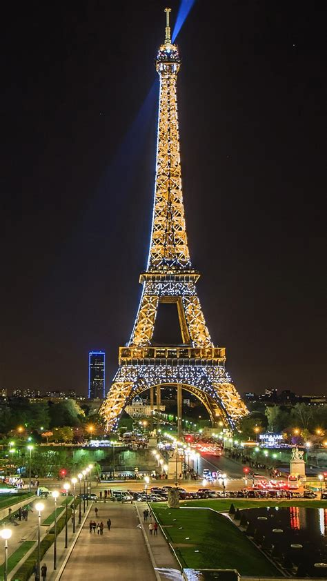 wallpaper beautiful night view eiffel tower spotlight paris france  uhd  picture