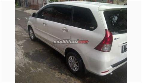Lu Mobil Warna Putih 2012 Daihatsu Xenia R 1 3 Family Manual Warna Putih Nama