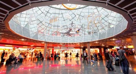wann vor abflug am flughafen spontankauf vor dem abflug warum das shoppingparadies