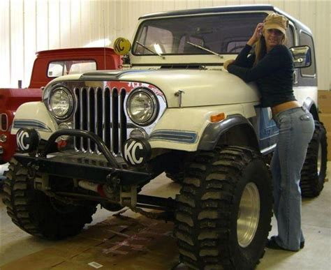 jeep girls muscle car babes