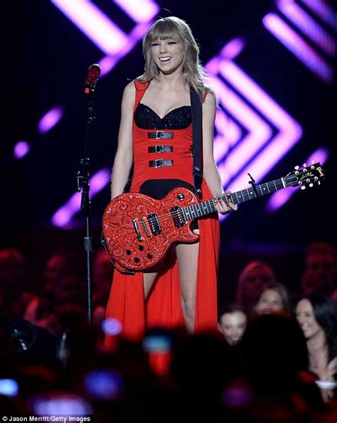 country music awards 2013 uk tv country music television awards taylor swift acts demure
