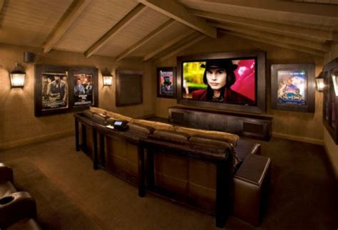how to decorate home theater room how to decorate using posters