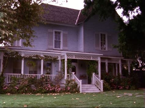 gilmore inn gilmore lorelai s house and the gilmore mansion