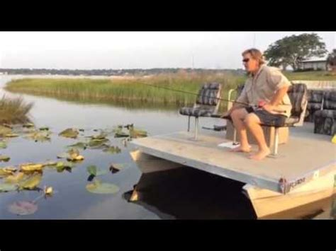 best motor for pontoon boat best way to mount a trolling motor on pontoon boat youtube