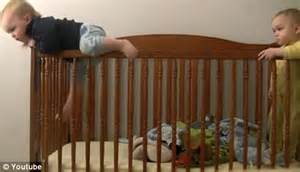 Toddler Banging In Crib by Toddler S Crib Escape Becomes A Hit After