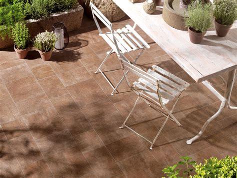 pavimenti stati per esterni prezzi pavimentazione piastrelle esterni giardino