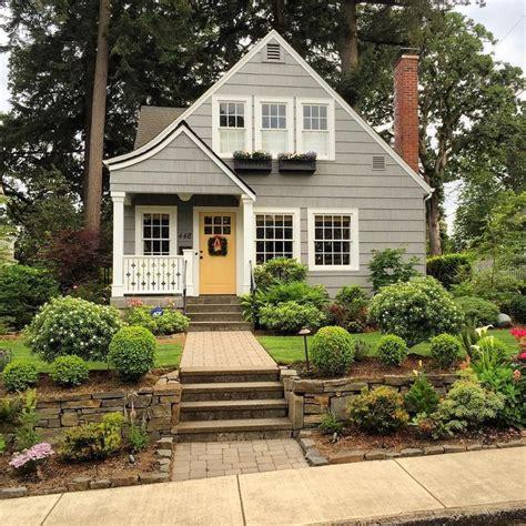 best 25 cottage exterior colors ideas on