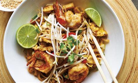 ricette cucina thai pad thai la ricetta dei noodle pi 249 conosciuti al mondo
