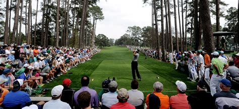 come out swinging like tiger woods wife cheyenne woods captivated by tiger s presence at augusta