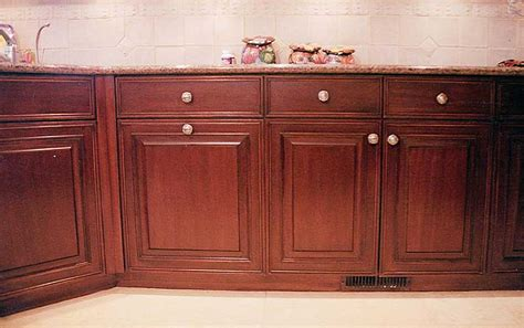 poplar kitchen cabinets poplar for cabinets scifihits