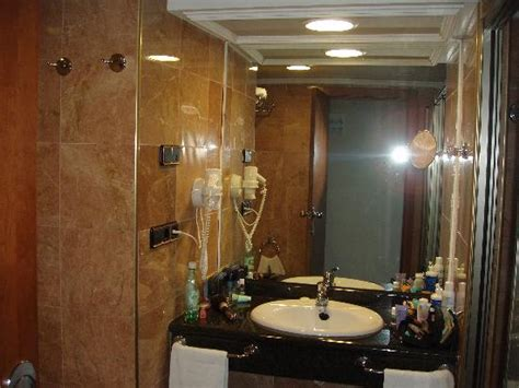 nice bathrooms nice bathrooms picture of gran hotel bali grupo bali