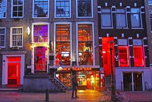 amsterdam light district brothels the school for amsterdam opens its
