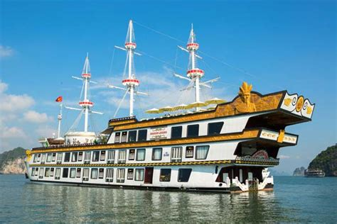 junk boat trips halong bay halong overnight cruise tour halong cruise tours day trips