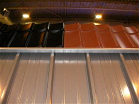 farbe für dachziegel unten metalldach oben dachziegel schwarz braun