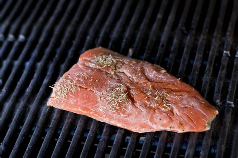 the best ways to cook salmon fillets on the grill