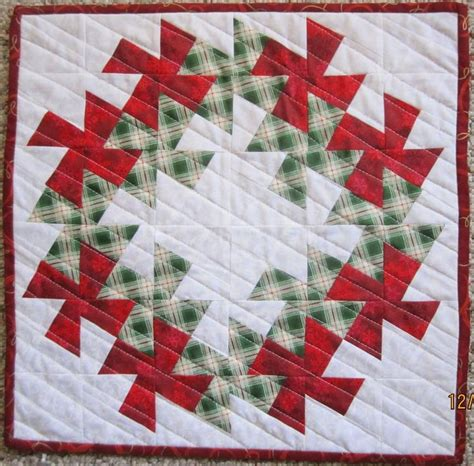 Quilt Pattern Wreath by Wreath Quilt Quilts