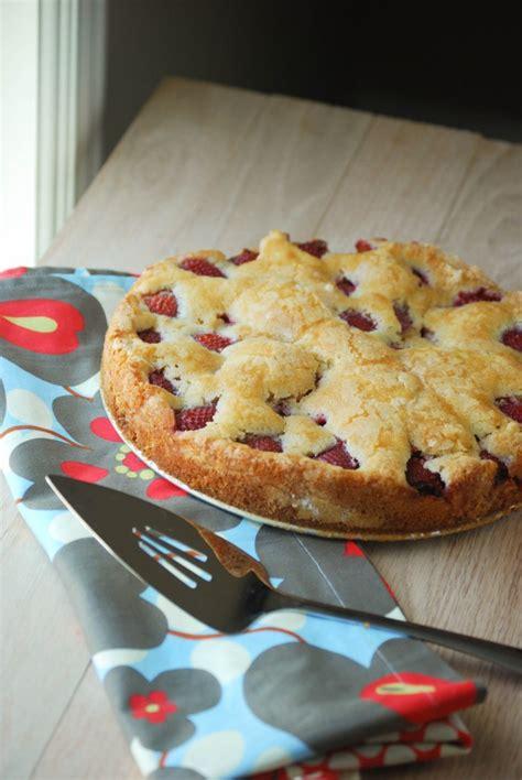 fresh strawberry cake macaroni and cheesecake