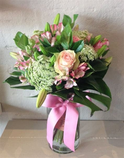 How To Make A Bouquet In A Vase by Seasonal Pastel Bouquet Vase Manic Botanic